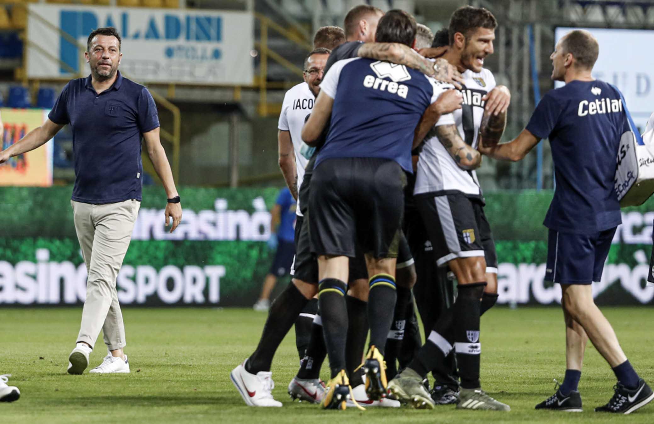 Il Parma torna a vincere e festeggia la salvezza - Forza Parma